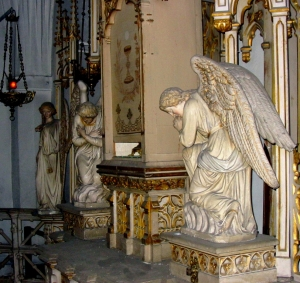 Anges veillant le Saint Sacrement